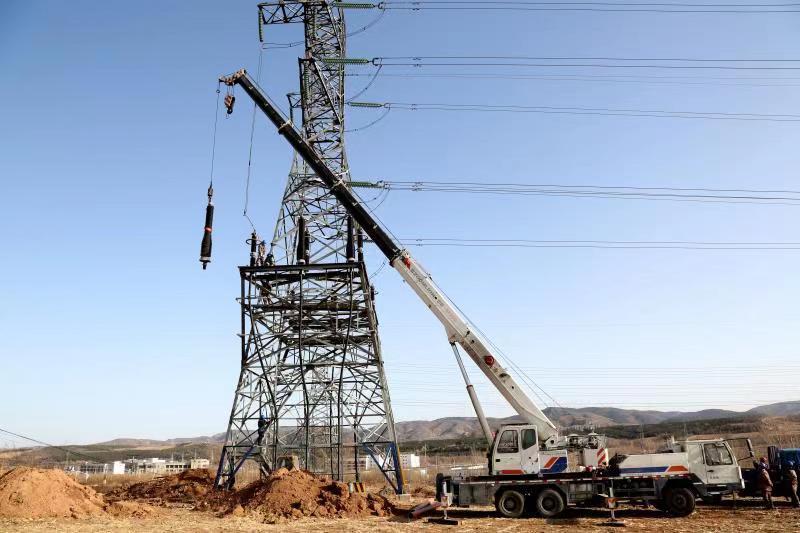 國內首條應用國產絕緣材料的220千伏高壓電纜投運