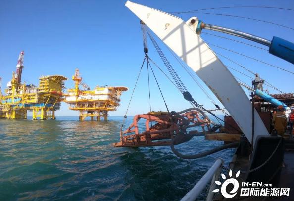 我国靠前海上油田群岸电改造项目完成主海缆敷设